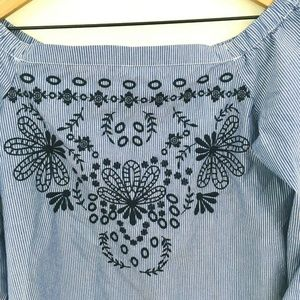 crown & ivy Tops - Crown & Ivy Off the Shoulder Embroidered Top Small